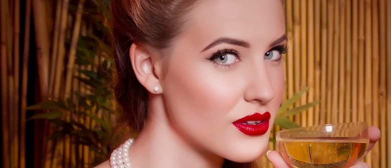 The Perfect Pinup: Vintage Makeup & Hair One-Day Intensive