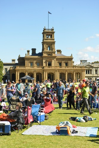 2016 cadbury easter egg hunt and family picnic melbourne 2016 cadbury easter egg hunt and family picnic negle Images