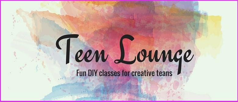 Teen Lounge - DIY Tassel Necklaces