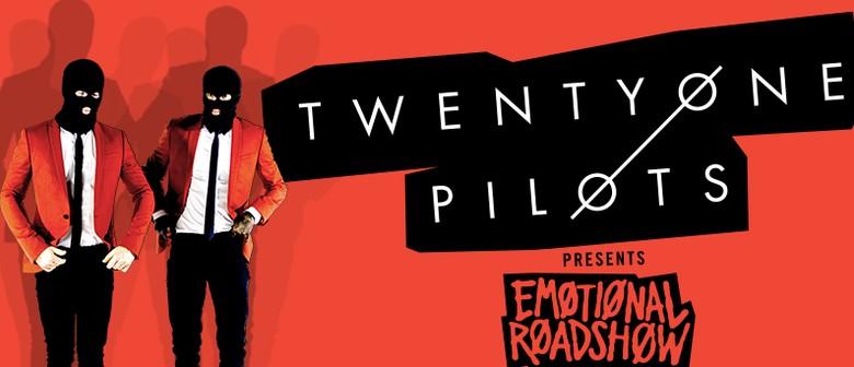 Twenty One Pilots - Emotional Roadshow World Tour