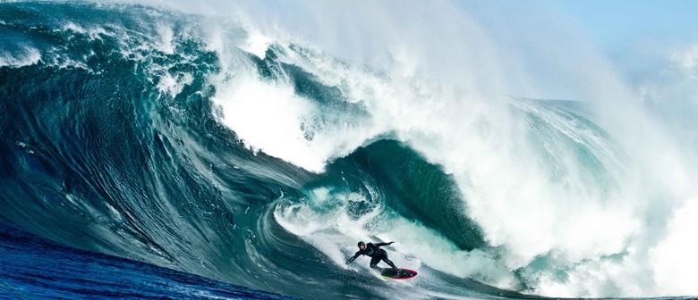 Surf's Up – Storm Surfer 3D Screening