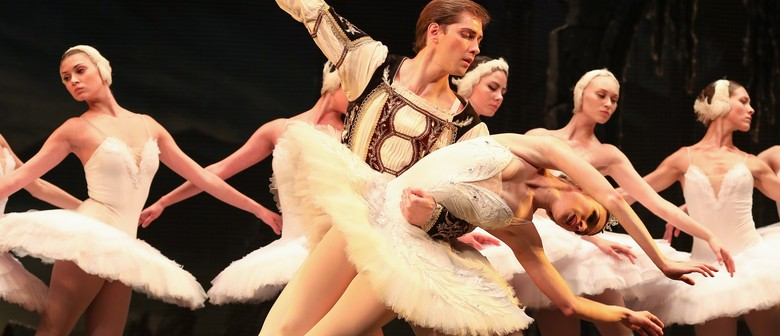 St. Petersburg Ballet Theatre – Swan Lake