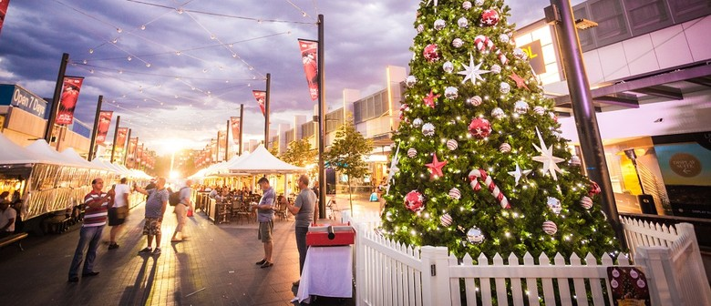 Live and Local – Christmas In the Mall