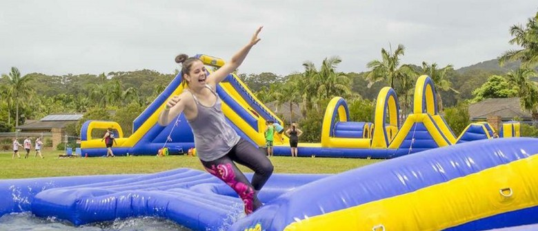 ObstaSplash Tas – Inflatable Obstacle Course