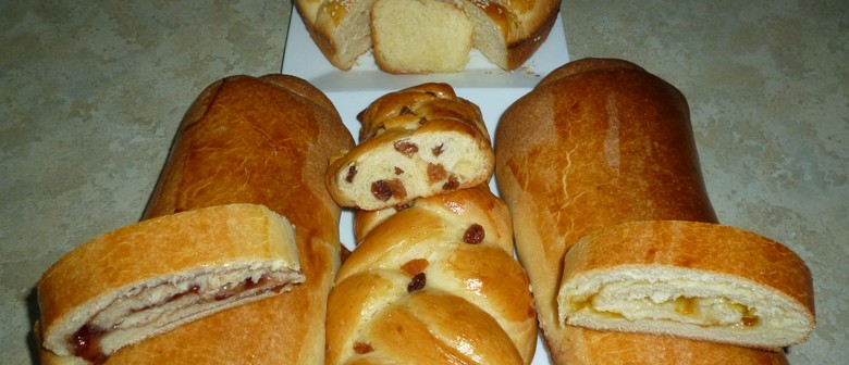 Breads for Easter – Tsoureki