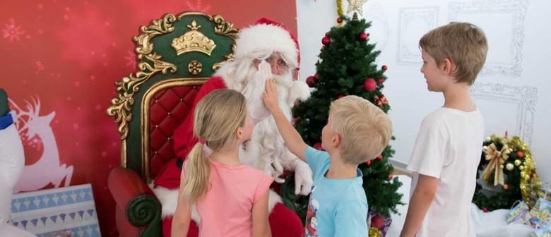 A Sanctuary Cove Christmas