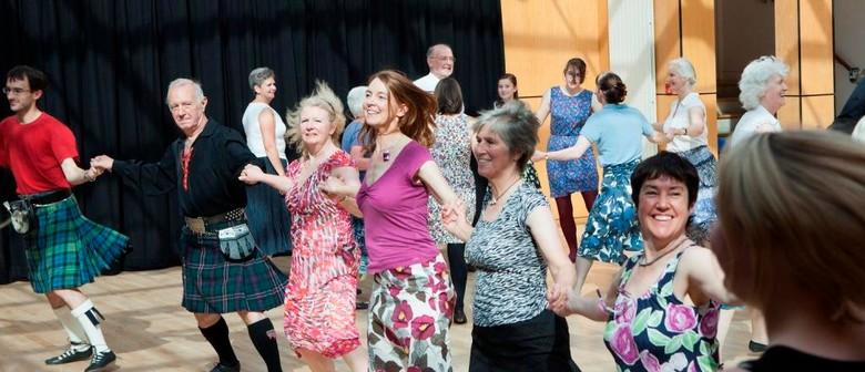 Scottish Ceilidh – Easy Social Dance