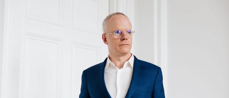 MTalks: Hans Ulrich Obrist In Conversation With Victoria Lyn