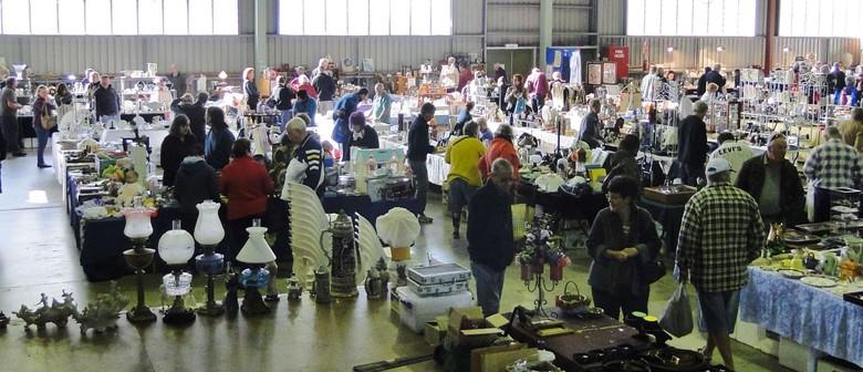 North Brisbane Sunday Antique Collectable fair